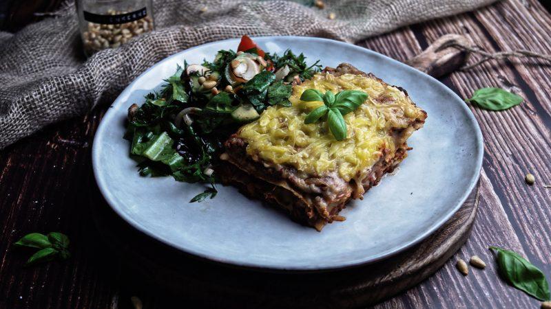Richtig gute Lasagne mit Seitanhack | vegan